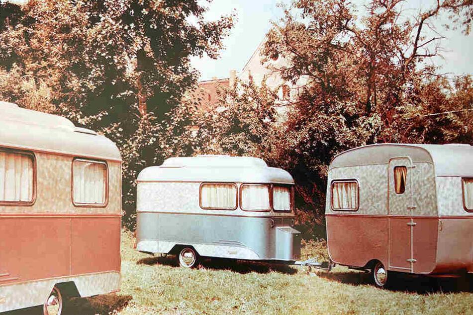 Nagetusch-Wohnwagen galten zu DDR-Zeiten als luxuriös. Ihr Holzaufbau war mit einer Alu-Außenhaut umhüllt, die Fenster stylish von Zierleisten eingefasst.
