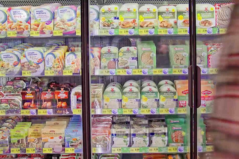 Die Supermarkt-Regale sind mittlerweile prall gefüllt mit vegetarischen Wurst-Alternativen.