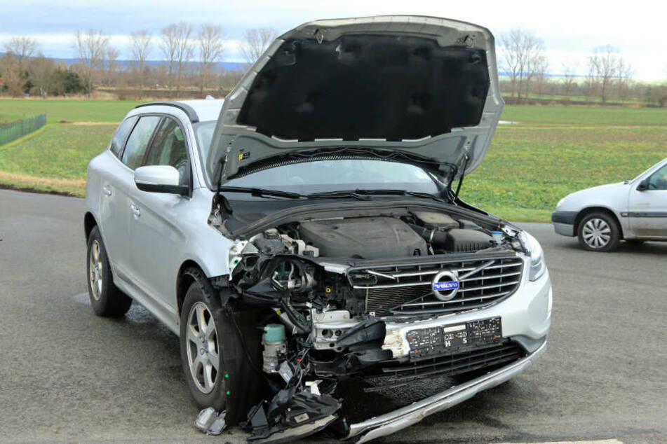 Der Fahrer des Volvo blieb unverletzt.