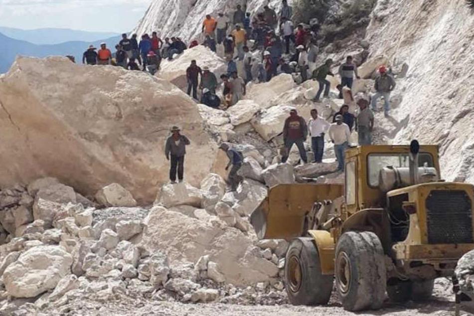 Bei einem Minenunglück im Zentrum Mexikos sind mindestens zwei Menschen gestorben.