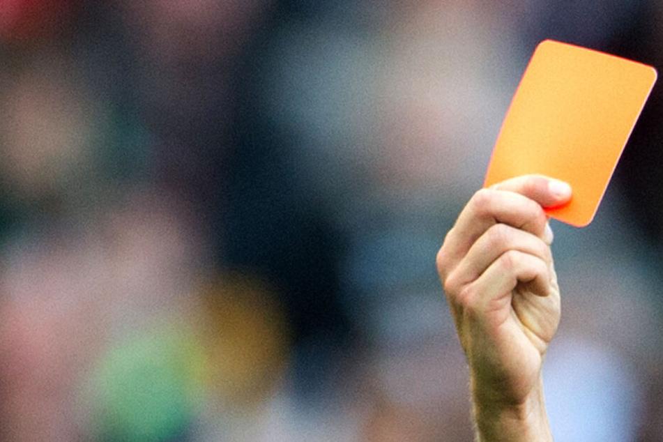 Rot gegen Trainer: Fußballverband setzt vorerst automatische Sperre fest