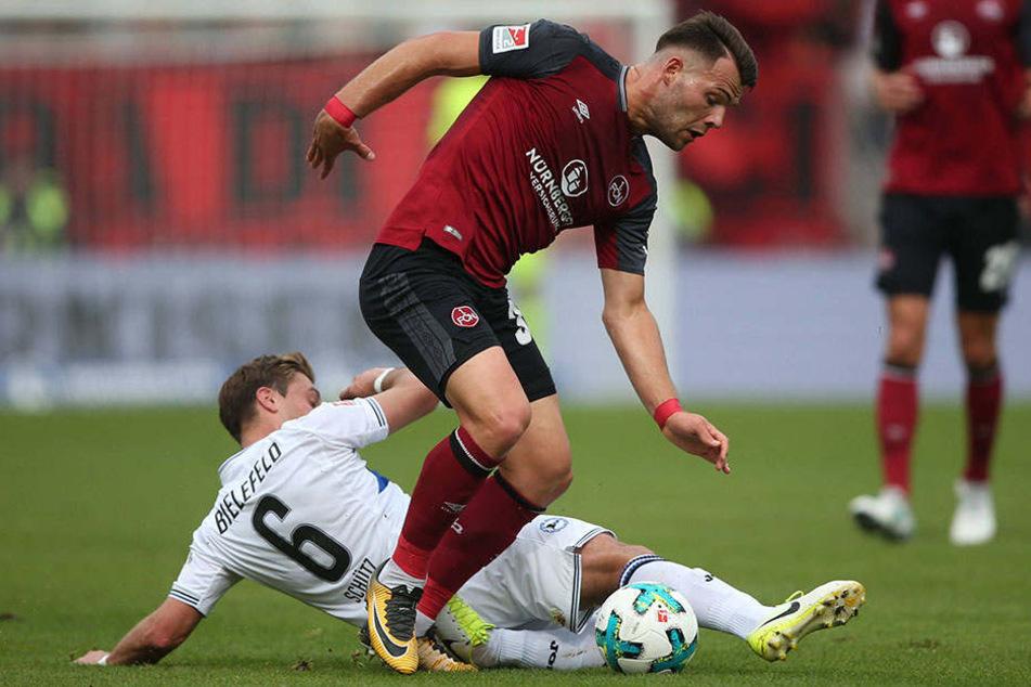 Auch gegen Holstein Kiel möchte Tom Schütz wieder dazwischen grätschen.