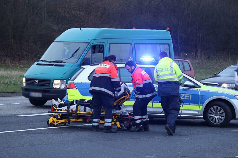 Insgesamt vier Personen wurden durch den Crash verletzt.