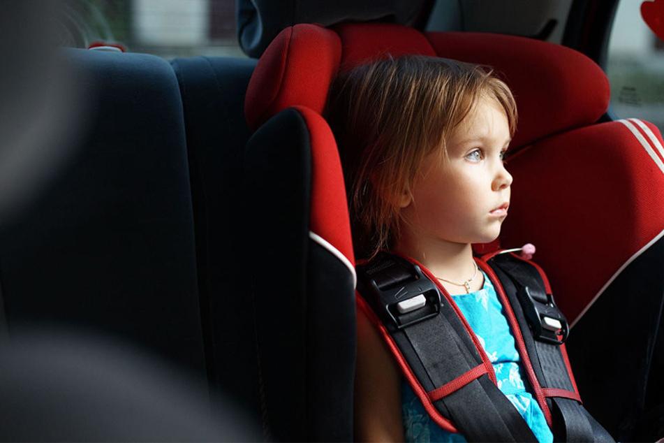 In Neuhausen wurde ein Kleinkind im Auto eingeschlossen. (Symbolbild)