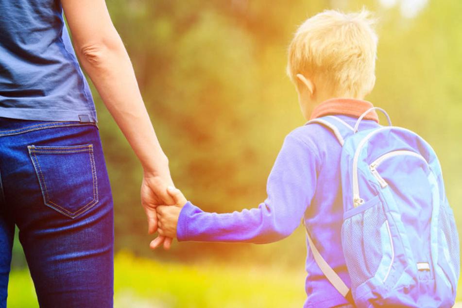 Immer mehr Eltern fahren ihre Kinder zur Schule. (Symbolbild)