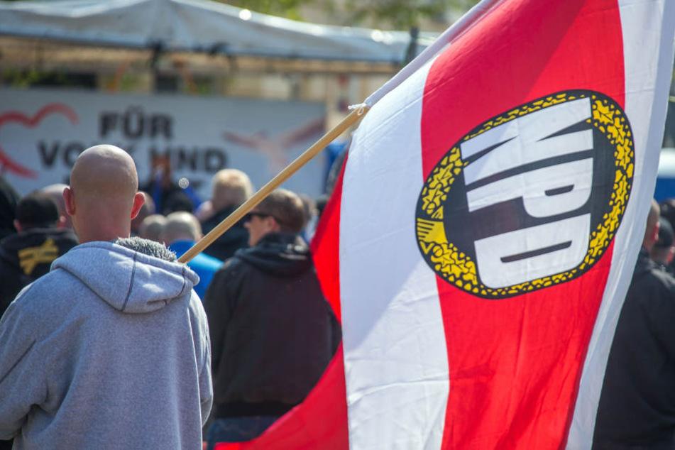 Sachsen will NPD-Mitgliedern ihre Waffen abnehmen. (Symbolbild)
