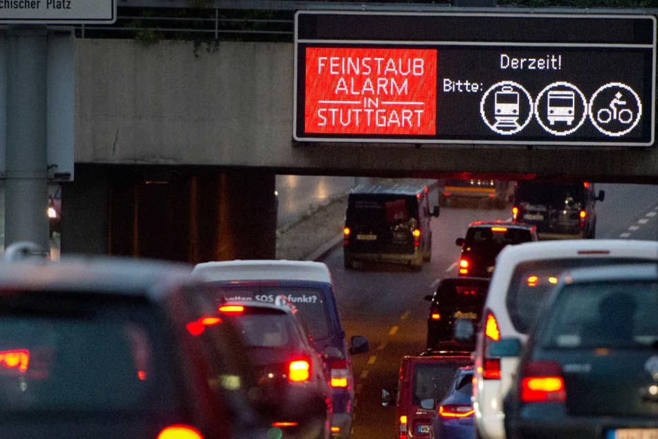 Seit letzter Woche Montag sind Autofahrer dazu angehalten, ihre Fahrzeuge stehen zu lassen und die Öffentlichen zu nutzen. (Archivbild)