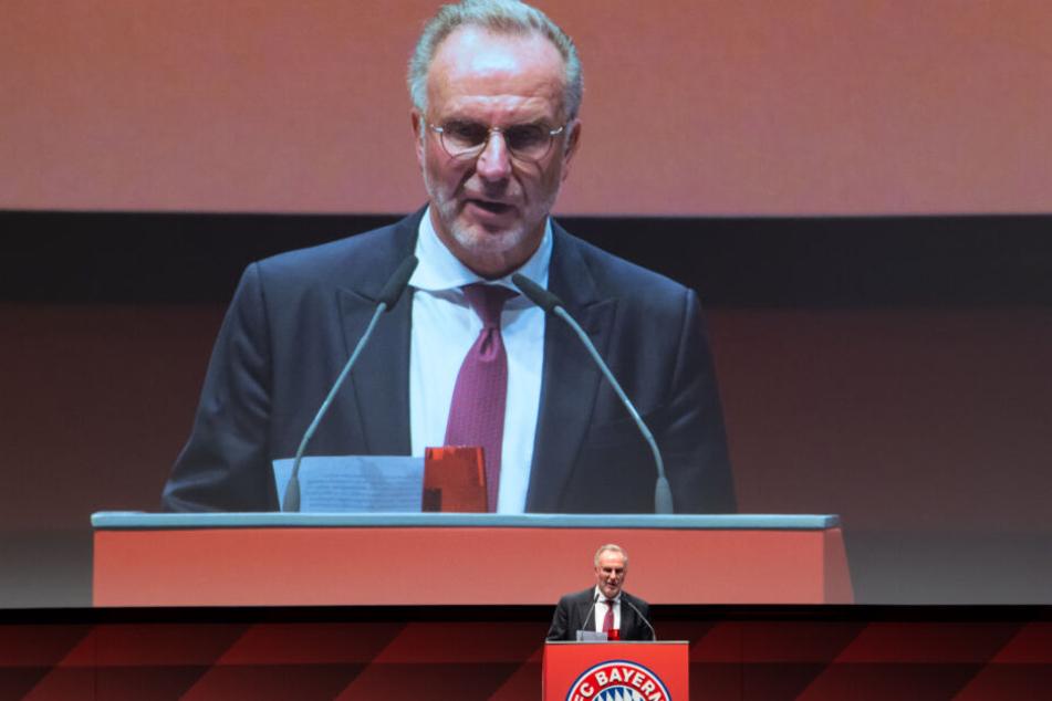 Bei der Jahreshauptversammlung machte Karl-Heinz Rummenigge nochmal klar: Flick bleibt bis Weihnachten - und vielleicht darüber hinaus. (Archiv)