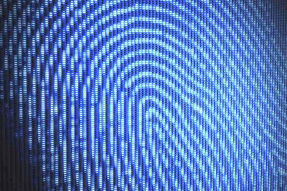 Kriminelle Hacker könnten bei hochaufgelösten Bildern den Fingerabdruck herauslesen.
