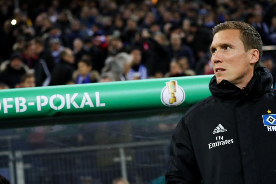 Geht es nach HSV-Trainer Hannes Wolf, ist die Reise im DFB-Pokal noch lange nicht vorbei.