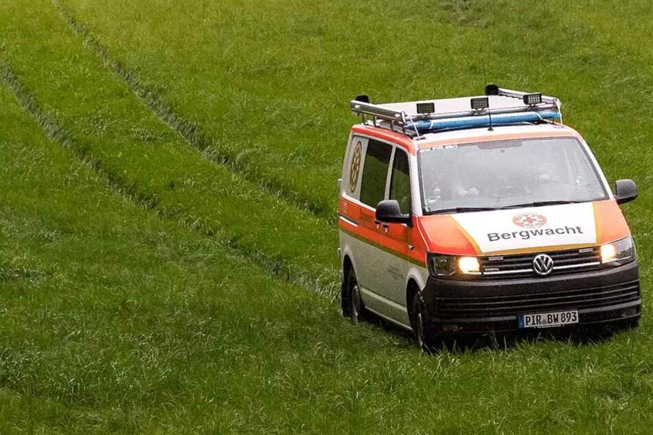 """Die Bergwacht war mit ihrem neuen Fahrzeug """"Herbert 1"""" im Einsatz."""