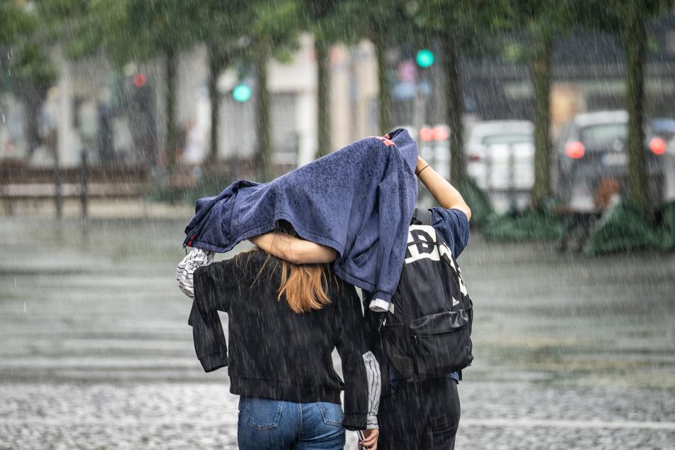 Die heftigen Regenfälle der letzten Tage sollen bald ein Ende haben - zumindest in einigen Teilen Deutschlands.