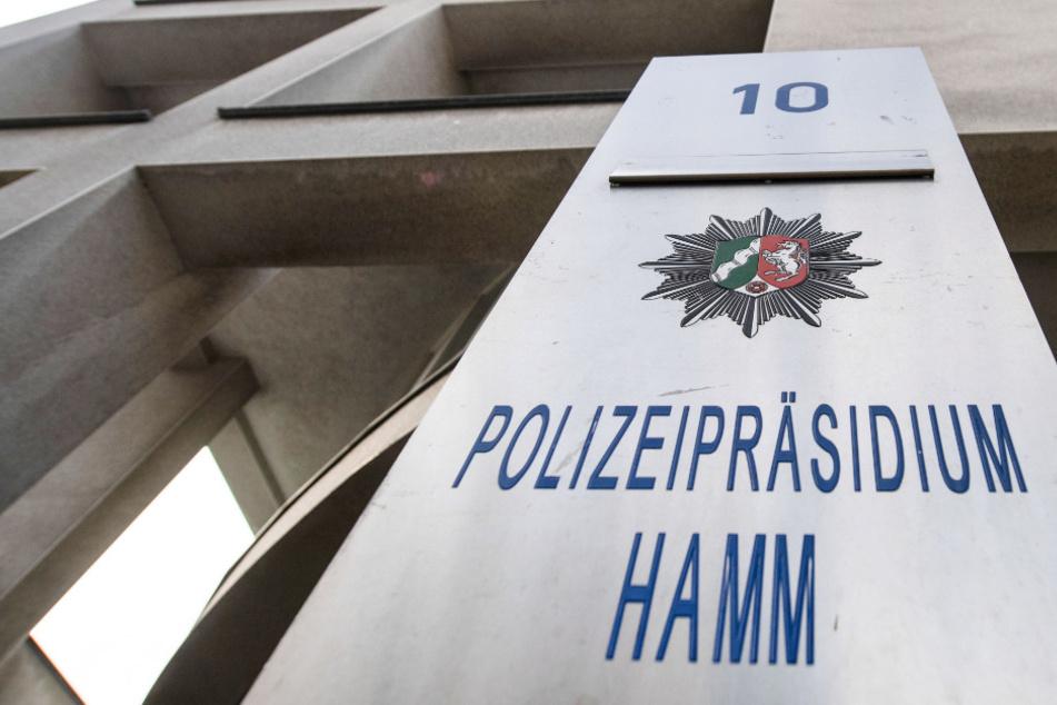 Tätlicher Angriff in Hamm: Mann geht mich Machete auf Frau los!