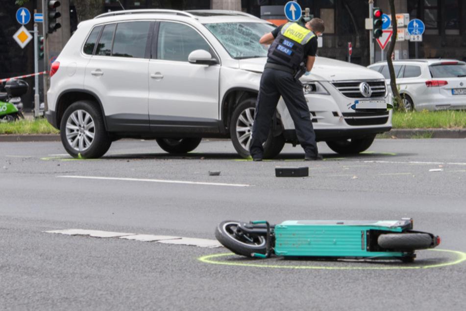 Bei dem Unfall in Köln wurde ein Junge (17) lebensgefährlich verletzt.