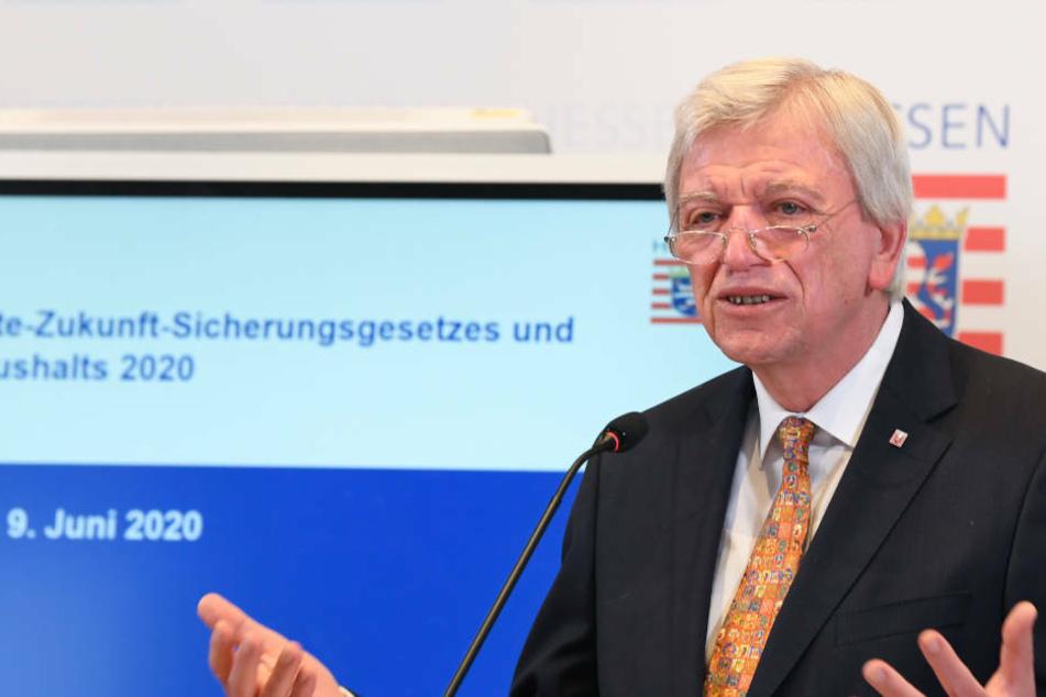 """""""Wir werden unsere eigenen Entscheidungen treffen"""", sagte Hessen Ministerpräsident Volker Bouffier zu den Lockerungen der Corona-Einschränkungen in Thüringen (Archivbild)."""