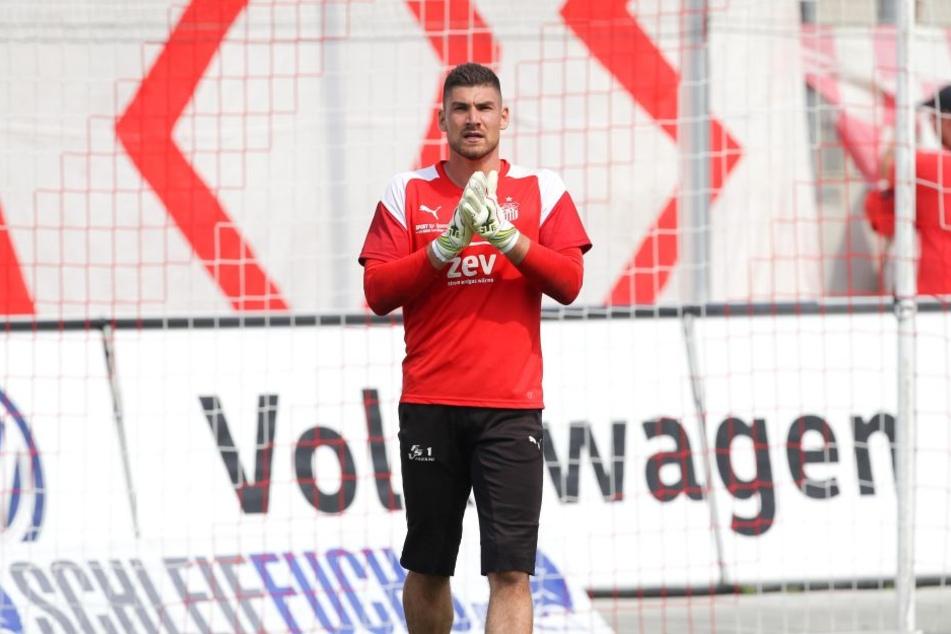 Torwart Johannes Brinkies (Zwickau) musste einmal hinter sich greifen.