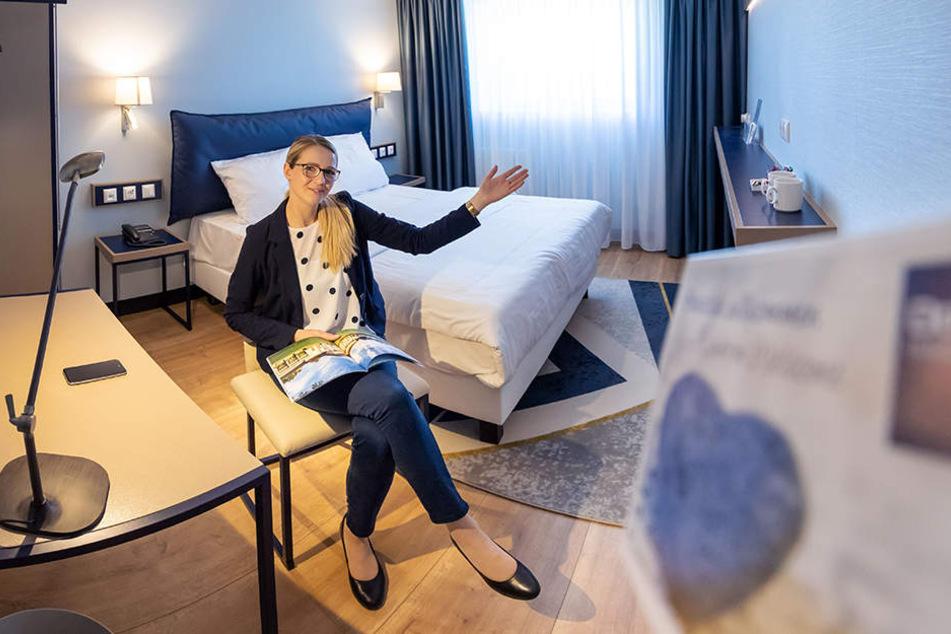 Alles neu: Managerin Michaela Neukirchner in einem sanierten Zimmer des Dorint-Hotels.