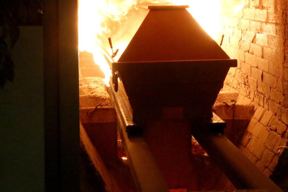 1,9 Millionen Euro dank Zahngold: Krematorium-Boss vor Gericht!