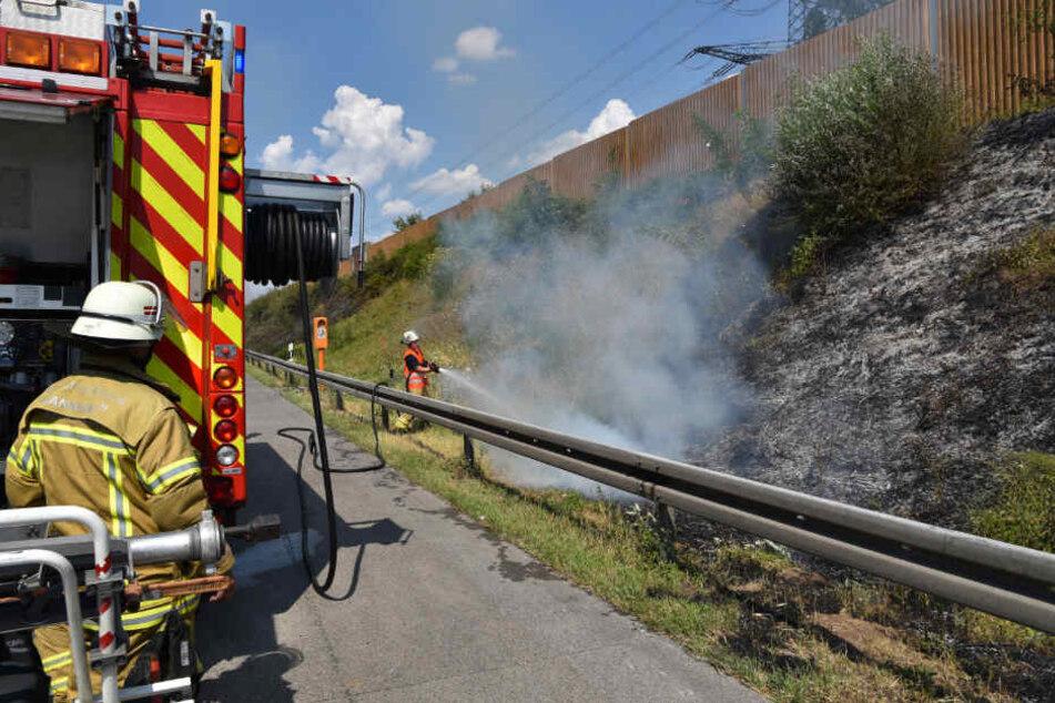 Mindestens zehn Brandstellen musste die Feuerwehr bekämpfen.