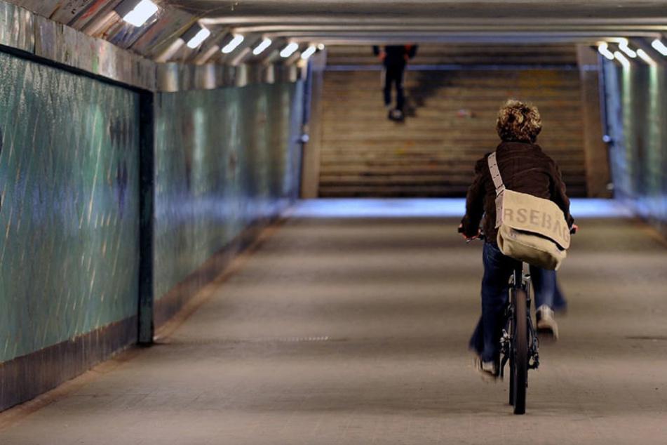Der 1926 unter der Spree versenkte Tunnel verbindet das Naherholungsgebiet am Südufer des Großen Müggelsees mit dem Stadtteil Friedrichshagen.