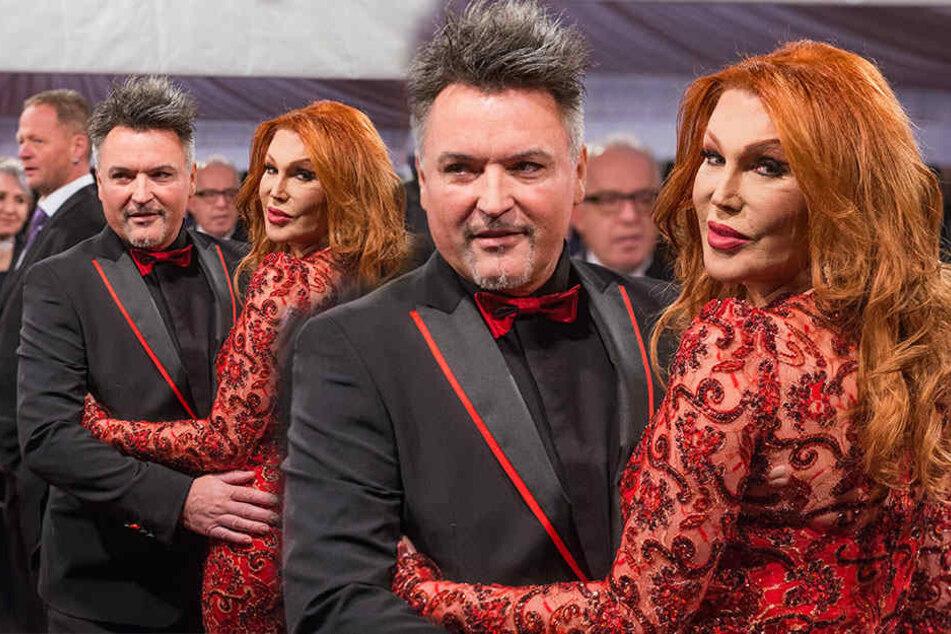 Die Dresdner Travestie-Chefin Zora Schwarz (rechts). An ihrer Seite Promi-Friseur und Ball-Dauerbegleiter Holger Knievel.