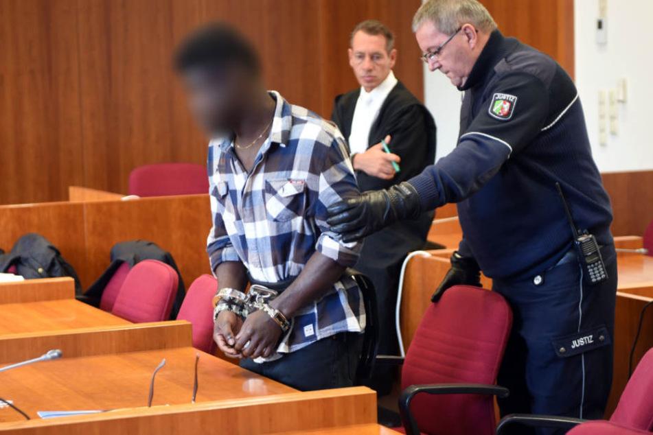 Eric X. (links) bei seinem Prozess im vergangenen Oktober.