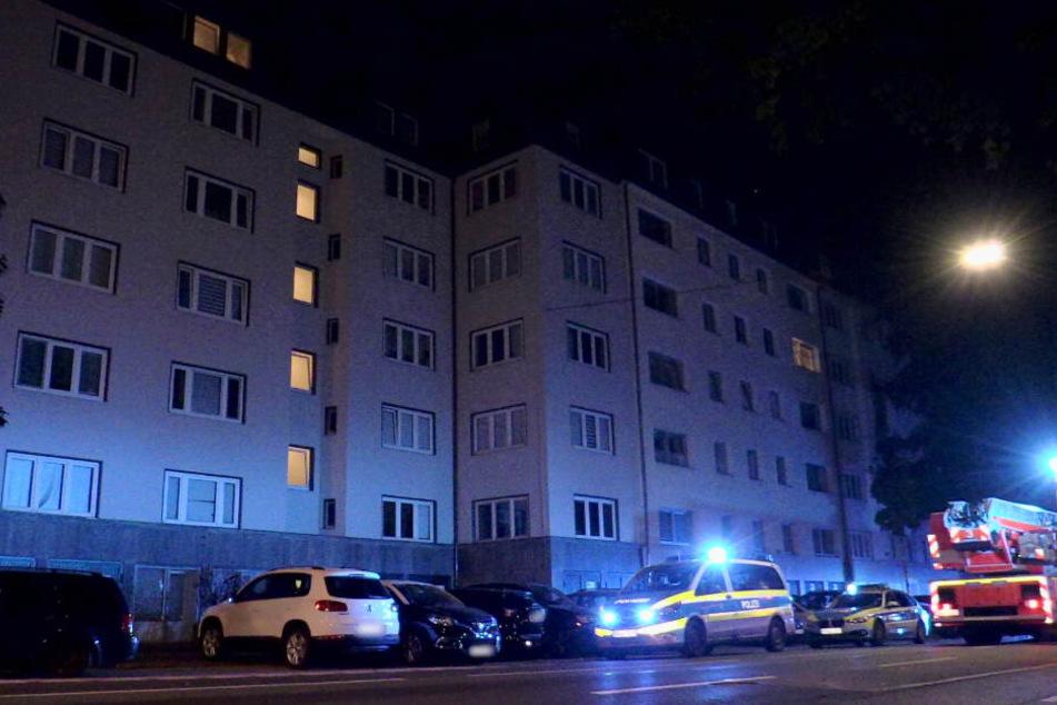 Der Mann war zuvor aus dem fünften Obergeschoss gesprungen.