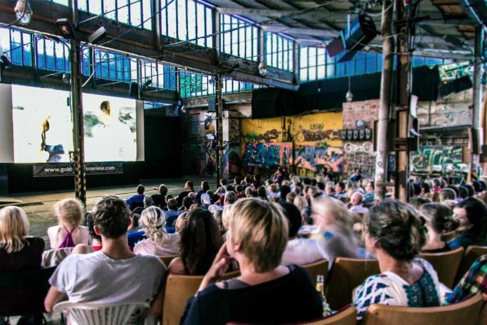 Seit dem 1. Mai gibt es wieder Kino an der frischen Luft im Sommerkino auf der Feinkost.