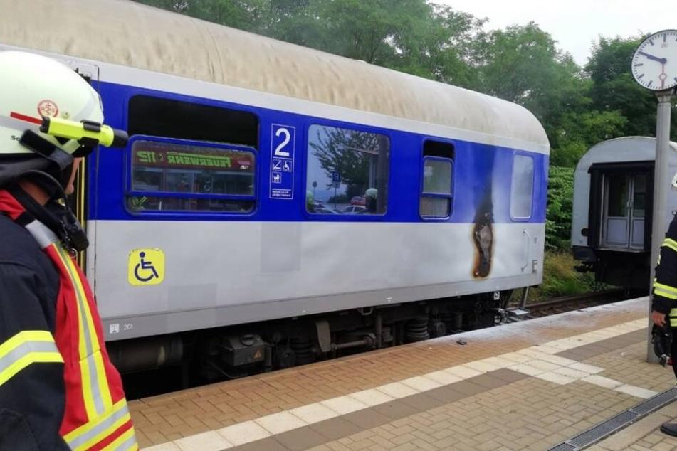 Dieser Zug der MRB hat auf dem Weg von Chemnitz nach Leipzig Feuer gefangen.