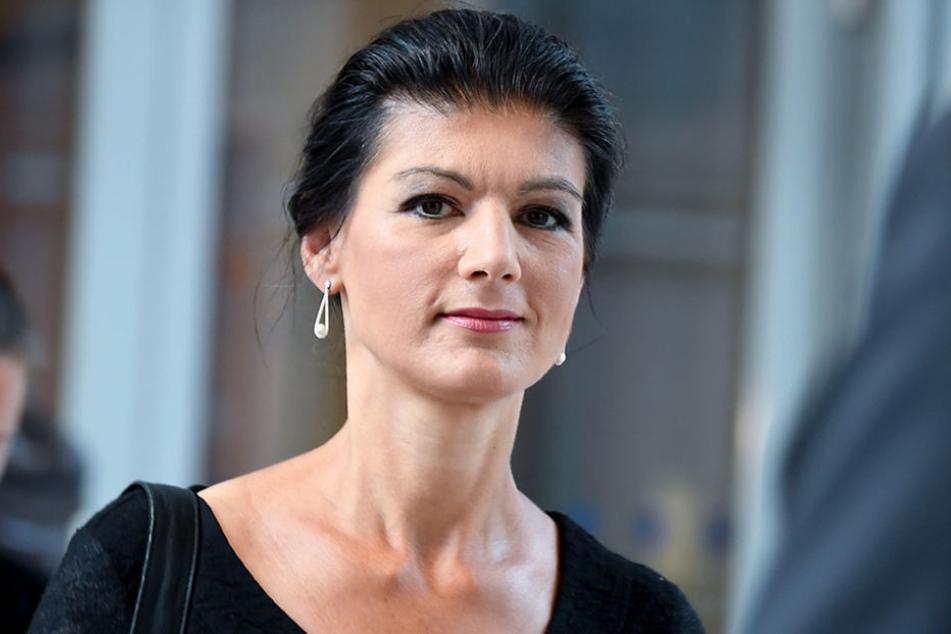 """Die neue Sammlungsbewegung von Linksfraktionschefin Wagenknecht trägt den Namen """"Aufstehen""""."""