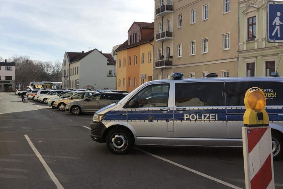 In der Nacht zu Freitag war in Zwickau offenbar ein Reifenstecher unterwegs.