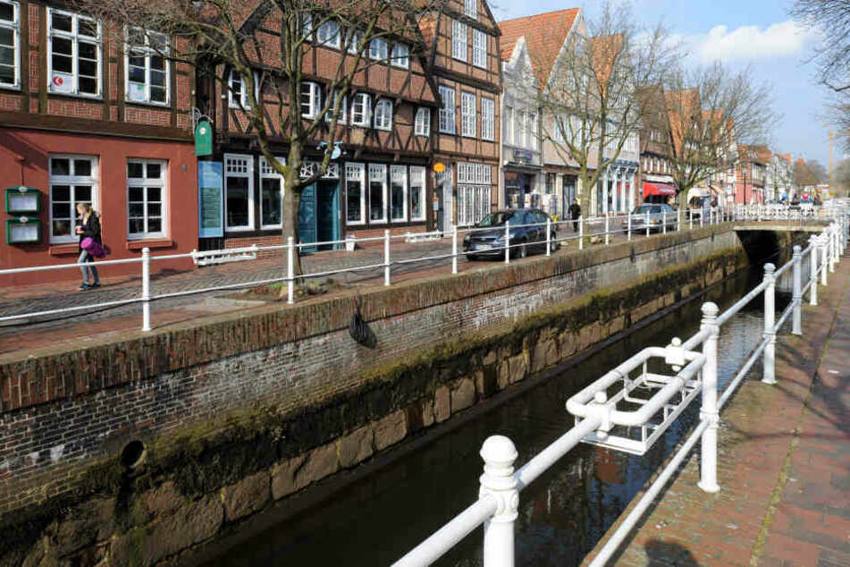 Die Aufnahme zeigt das Fleth in der Altstadt von Buxtehude, Niedersachsen (Symbolbild).