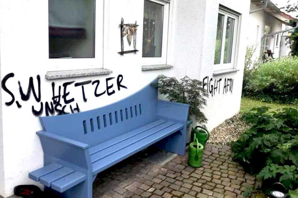 Farbanschläge und Schmierereien: Vandalen haben es auf die Alternative für Deutschland abgesehen.