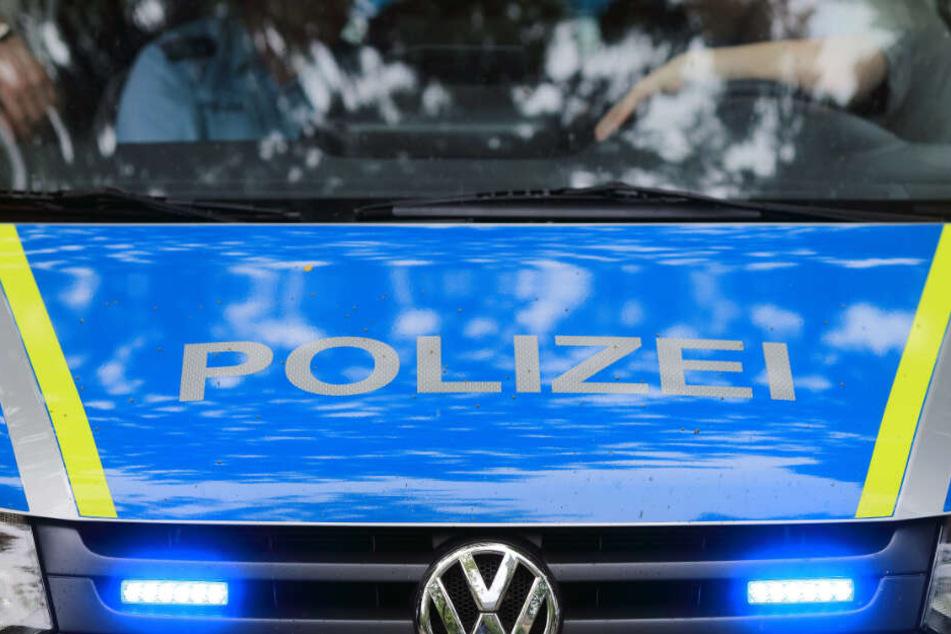 Die Polizei geht von Brandstiftung aus. (Symbolbild)