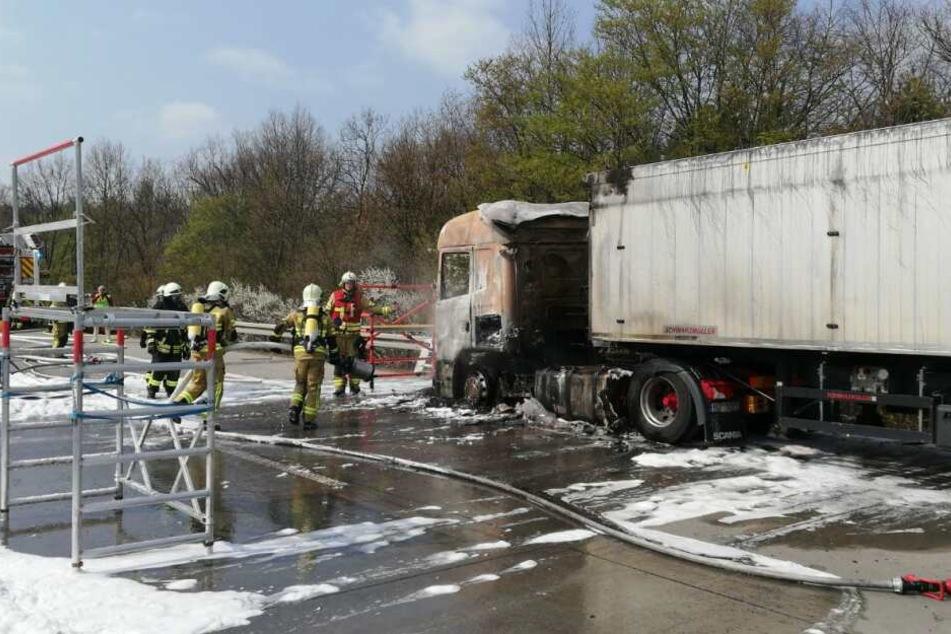 Die Feuerwehr hatte zunächst Schwierigkeiten, den Brand zu löschen.
