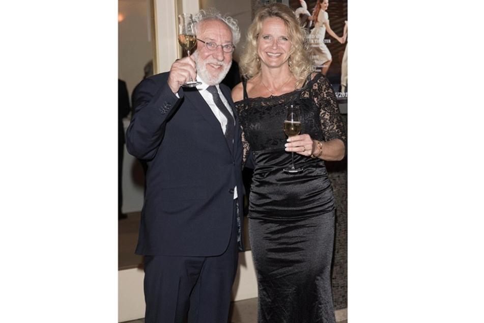 Mal sehen, ob TV-Star Dieter Hallervorden (81) auch seine charmante Lebensgefährtin Christiane Zander (46) zum Ball mitbringt.