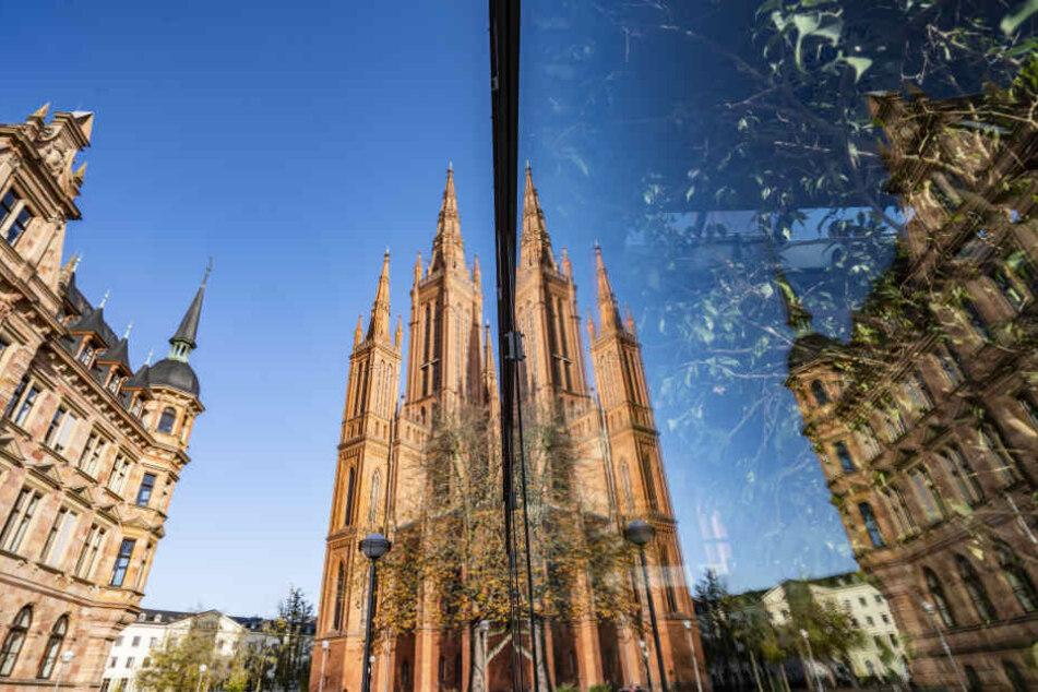 Die hessischen Landeshauptstadt eine 5000-Seelen-Gemeinde?