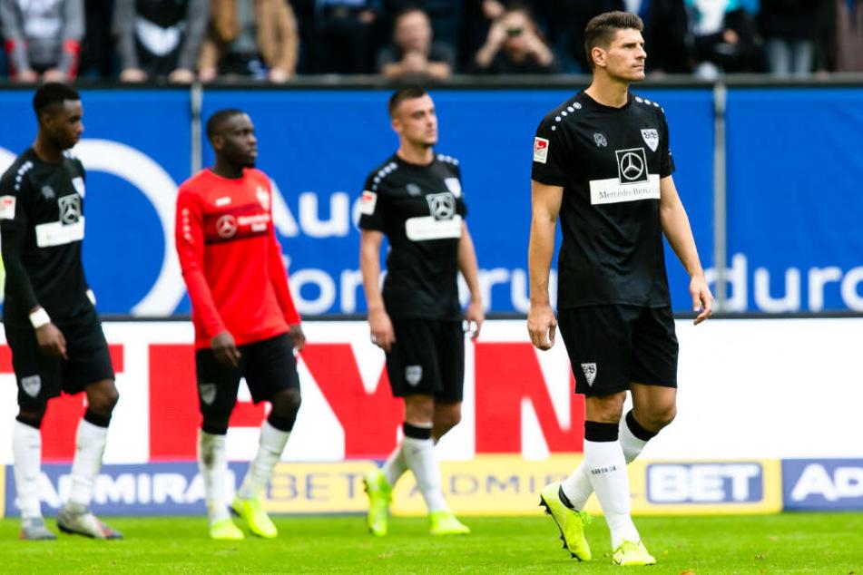 Bedröppelte Mienen bei den VfB-Profis nach der 2:6-Niederlage gegen den Hamburger SV im Volksparkstadion.