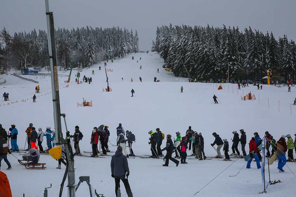 Ski-Spaß am Hang: Die Besucher der Ski- und Rodelarena in Altenberg/Geising mussten sich keine Sorgen um Schneebruch machen.
