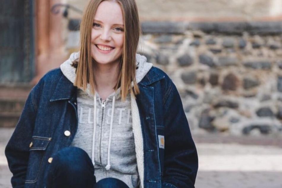 Ein Schnappschuss in ihrem Instagram-Profil zeigt die 19-Jährige vor dem Beginn des krankheitsbedingten Haarausfalls.