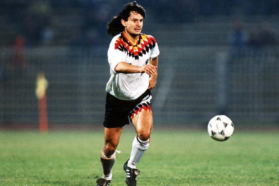 """Legendäre Matte: """"Veilchen-Coach"""" Dirk Schuster spielte für beide deutschen Nationalmannschaften, kam auf vier Einsätze für die DDR und drei für die Bundesrepublik."""