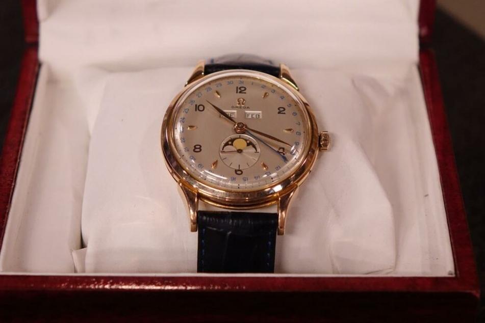 Die Omega-Uhr wurde 1951 gebaut.