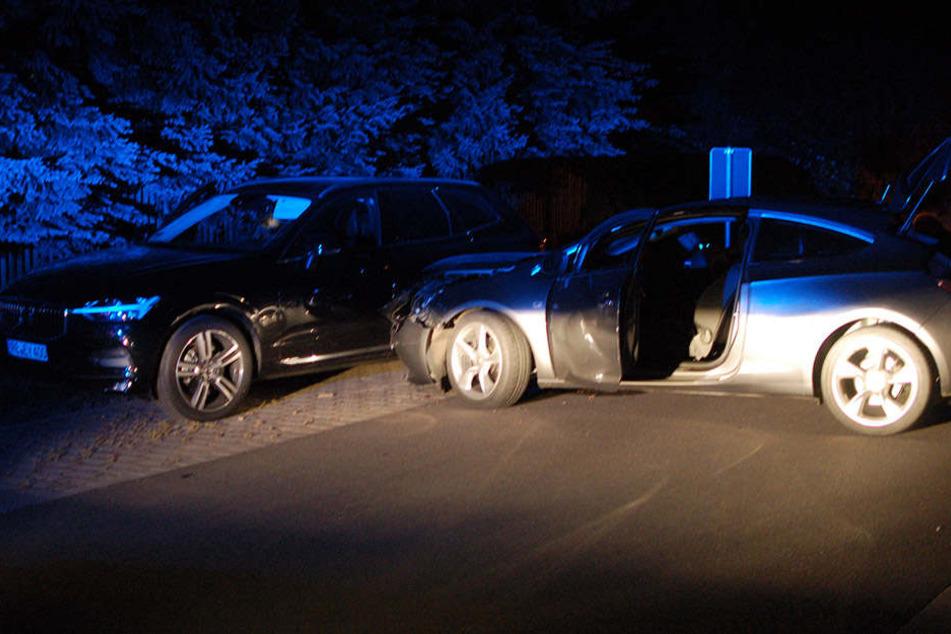 Mit seinem Opel rauschte der junge Mann seitlich in den Volvo.