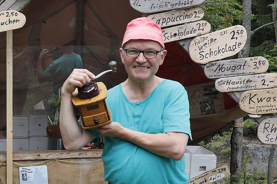 """Der """"berühmte"""" Kaffee-Kurt musste sein Mini-Café im Wald aus gesundheitlichen Gründen schließen."""