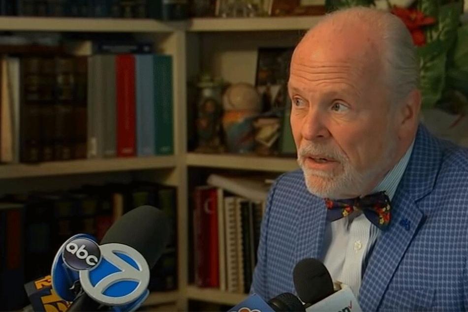 Anwalt John Ray klagt auf 3 Millionen US-Dollar Schadenersatz.
