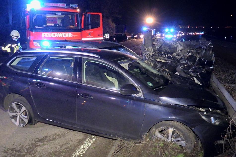 Unfall A59: Fünf Verletzte bei Unfall mit fünf Fahrzeugen auf A59