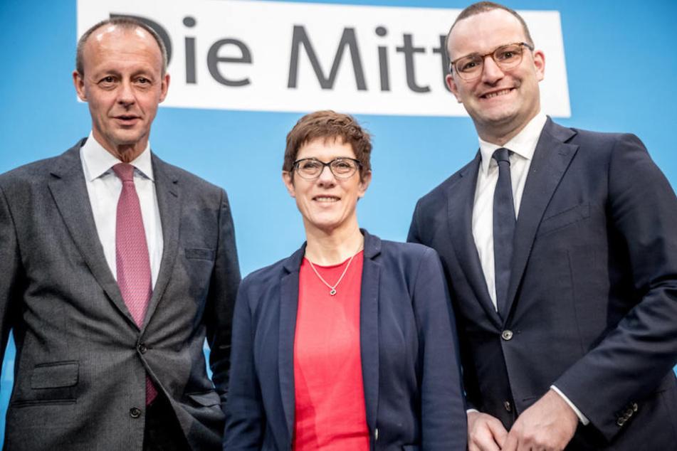 Friedrich Merz (63, li.), Annegret Kramp-Karrenbauer (56) und Jens Spahn (38) sind die aussichtsreichsten Kandidaten für den CDU-Vorsitz.