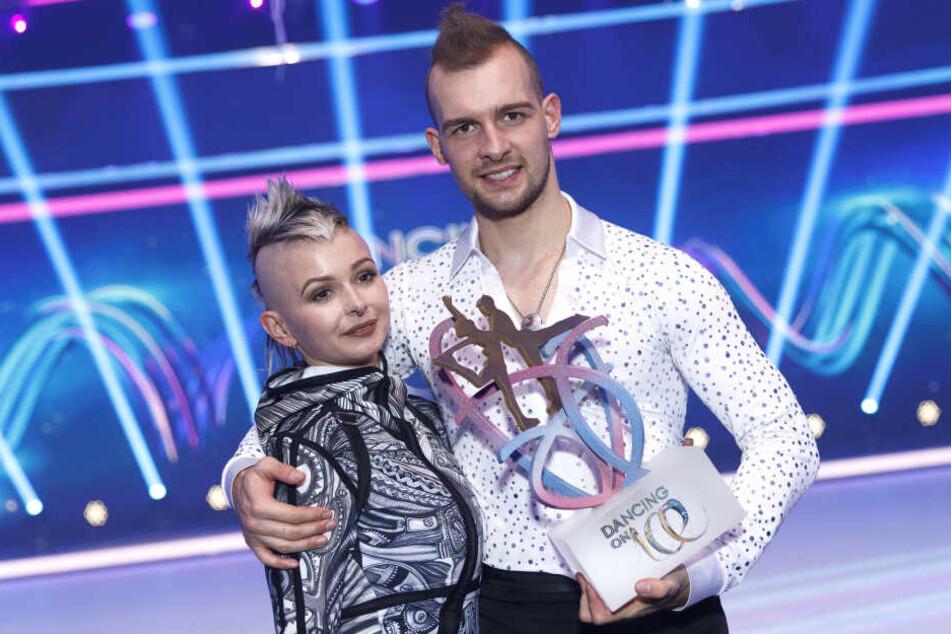 """Eric Stehfest mit seiner Frau Edith bei """"Dancing on Ice""""."""