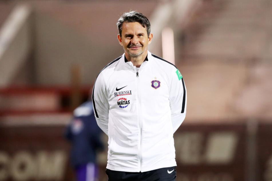 Aue-Coach Dirk Schuster legte sich bisher nicht fest, wer den gesperrten Sören Gonther ersetzen soll.