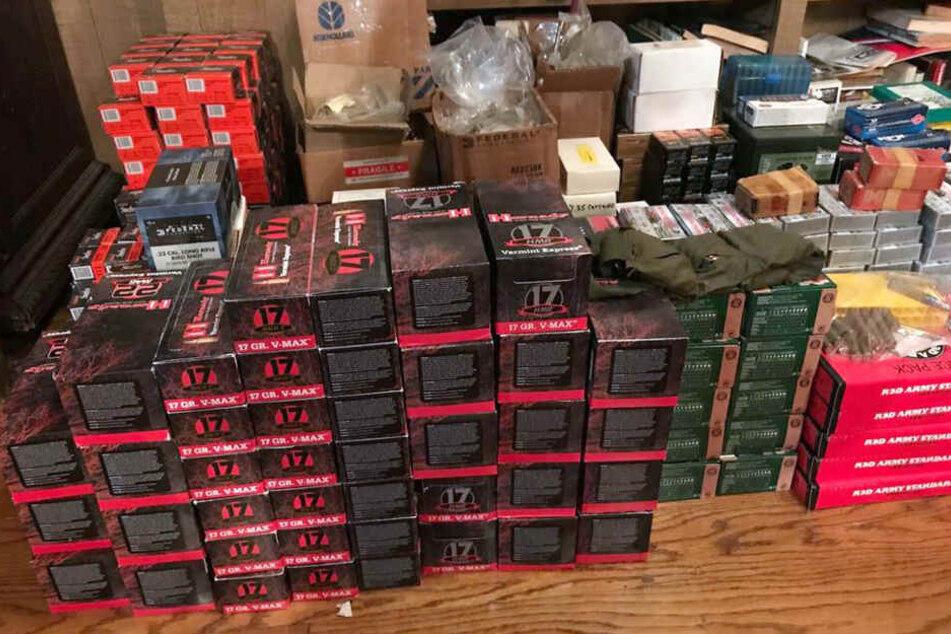 Auch jede Menge Munition wurde in dem Haus gelagert.